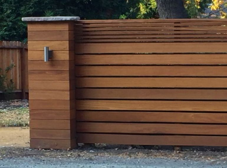 Modern Horizontal Fence Design
