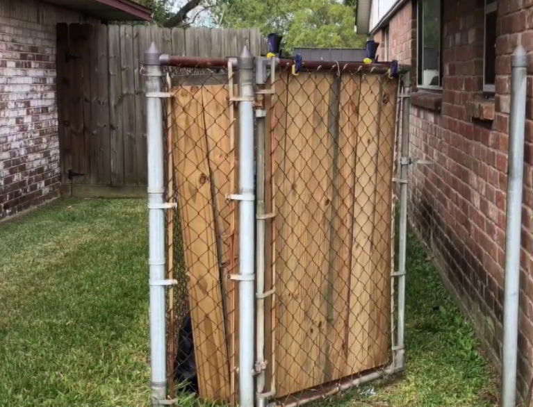privacy ideas for chain link fence