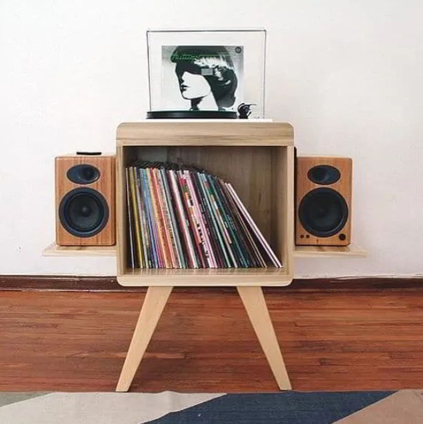 Rustic Styled Speaker Stand Ideas