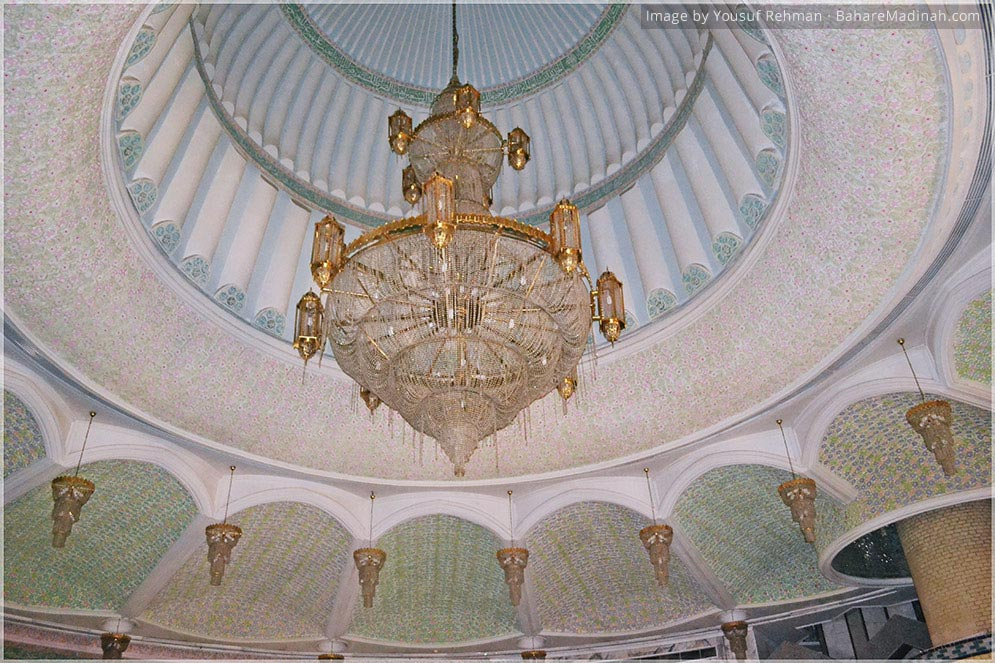 Chandelier inside Mausoleum of Shaykh Ma'ruf al Karkhi · Baghdad, Iraq (2013)
