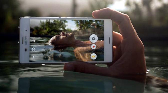 El Sony Xperia Z3, un móvil sumergible y más caro que la PlayStation 4