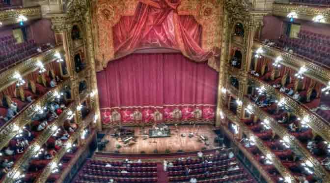 El Teatro Colón de Buenos Aires, desde un Moto X Play