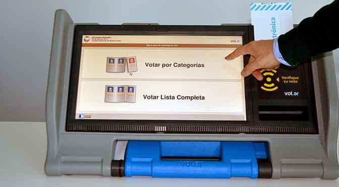 ¿Se «tildará» el «e-voto»?: la reforma electoral del macrismo se empantana en el Congreso