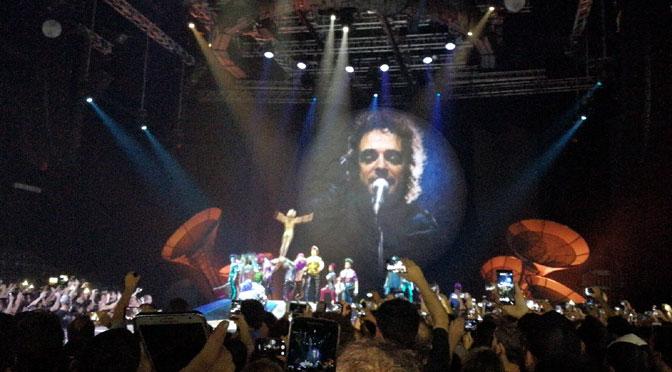 De música ligera, de Soda Stereo, en Sép7imo Día del Cirque du Soleil