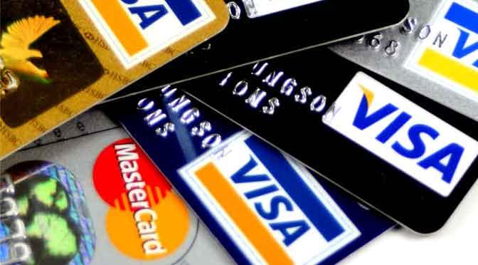¿Qué se debe tener en cuenta antes de usar la tarjeta de crédito en el extranjero?