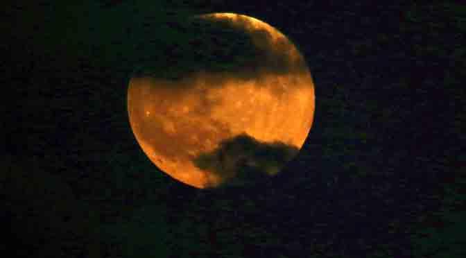 Eclipse total de la Luna se podrá observar desde el Planetario porteño