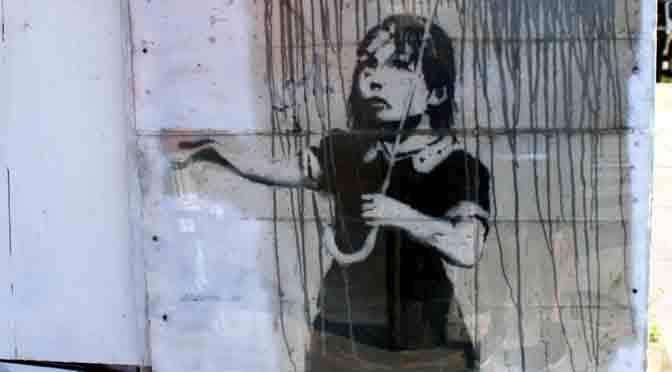 La chica con paraguas de Bansky en New Orleans