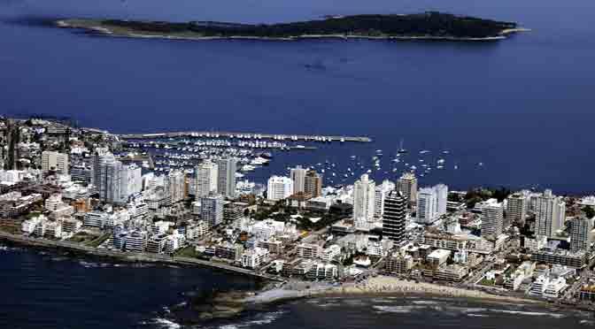 Uruguay busca seducir a turistas e inversionistas argentinos con beneficios fiscales