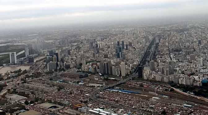 Buenos Aires desde un Boeing 737-800 de Aerolíneas Argentinas