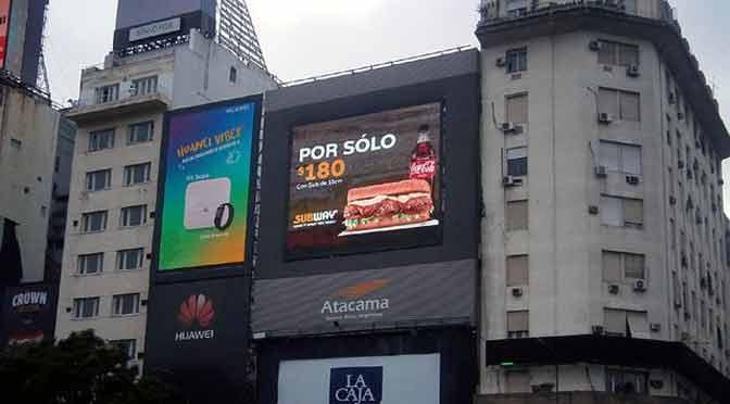 Taggify lleva publicidad programática a la calle con carteles inteligentes