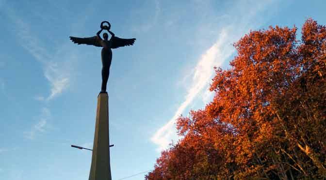 Un monumento alado oculto en Buenos Aires