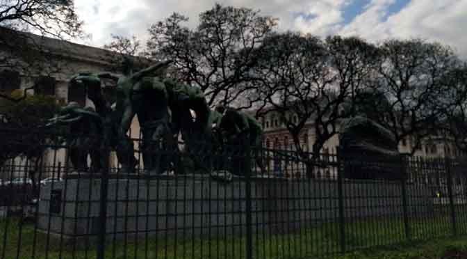 «Canto al trabajo», la obra más famosa del «Rodin argentino»