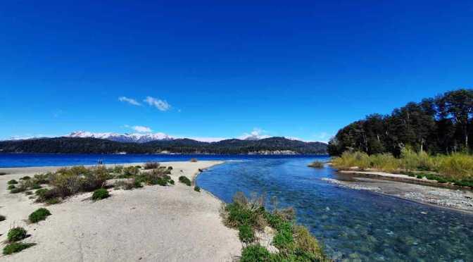 Panorámicas del río Bonito y la bahía Mansa, Neuquén ,  Argentina