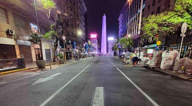 Diagonal Norte al 900, uno de los mejores sitios para fotografiar el Obelisco de Buenos Aires