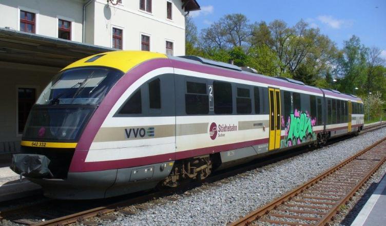 Städtebahn in Neustadt in Sachsen mit Graffiti besprüht. (Foto: © Baundespolizei)