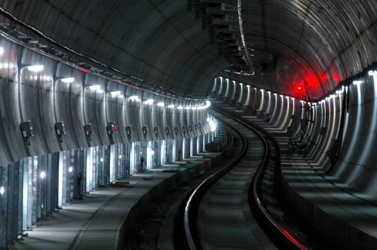 Tunnel mit Sicherheitsbeleuchtung. (Foto: © DB AG / Christian Bedeschinski)