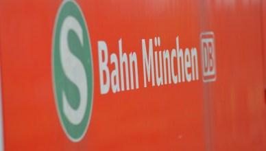 Schriftzug S-Bahn München. (Foto: © Bahnblogstelle)