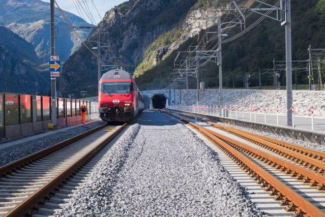 Der 57 Kilometer lange Gotthard-Basistunnel in der Schweiz wurde am 1. Juni 2016 feierlich eröffnet. (Foto: © SBB)