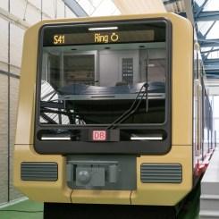 Wagenmodell des neuen S-Bahn-Zuges im Maßstab 1:1. (Foto: © Neuhold / DB AG)