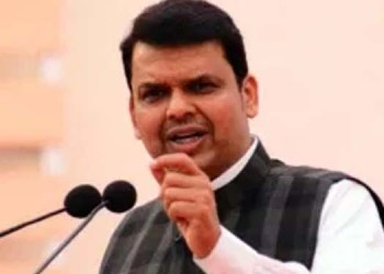 devendra fadnavis slams government on mansukh hiren case