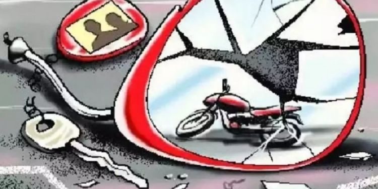 teacher-killed-in-two-wheeler-collision-two-serious-incident-on-gadga-kahala-road