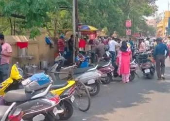 pune-shopkeepers-frustrated-due-to-lack-of-customers-after-weekend-lockdown