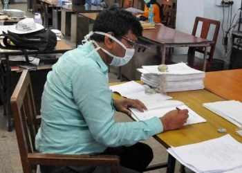 modi-government-big-decision-of-modi-government-a-family-member-of-a-government-employee-will-get-15-days-leave-in-case-of-coronary-heart-disease