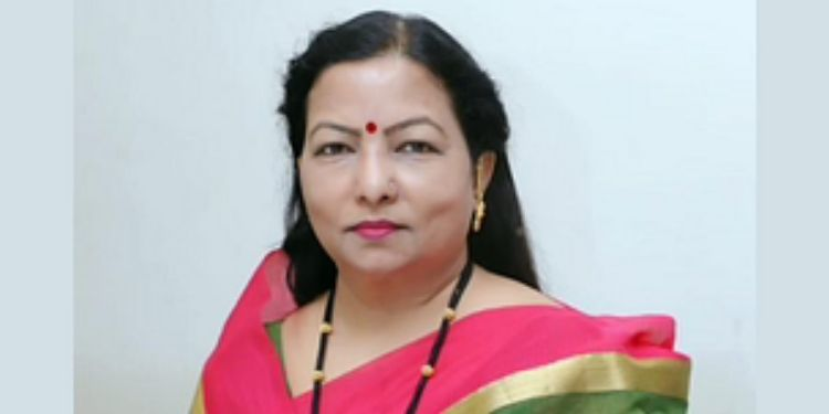 former-minister-laxman-dhobles-wife-anuradha-dhoble-passed-away
