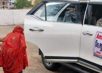congress-mla-from-chanchauda-constituency-sh-laxman-singh-has-donated-his-toyota-fortuner-to-binaganj-health-center-which-will-be-used-as-an-ambulance