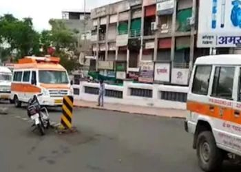 so-in-amravati-20-ambulances-were-blowing-sirens-towards-the-cemetery-find-out-the-case