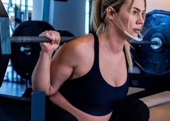 8-month-pregnant-fitness-trainer-from-new-york-trolled-after-heavy-workout-video-viral-on-social-media
