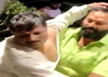 conflict in shiv sena even before the election of mayor and deputy mayor in the city violent fighting between the two groups
