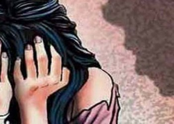 Pune Crime 63 year old man doing masturbates in afternoon and looking toward 23 years old girl in pune huge excitement