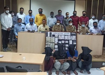 Lonavala Crime pune rural police arrested criminal for robbery of Khandelwal s bungalow from MP Rs 30.5 lakh confiscated So far 15 people have been arrested