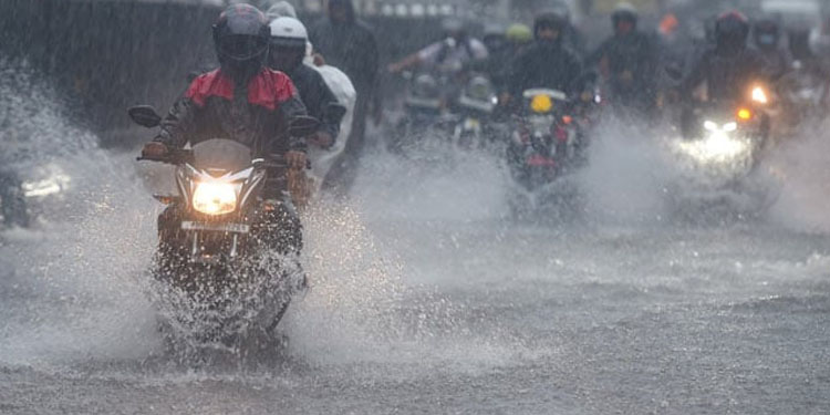 Weather Update heavy rains in some parts of maharashtra predicted