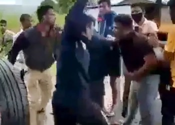 Kolhapur Crime kolhapur live video of a youn man being beaten to death in street