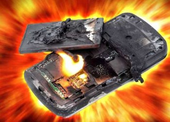 smartphone tips and tricks 10 mistakes smartphone can explode or may catch fire anytime read and avoid