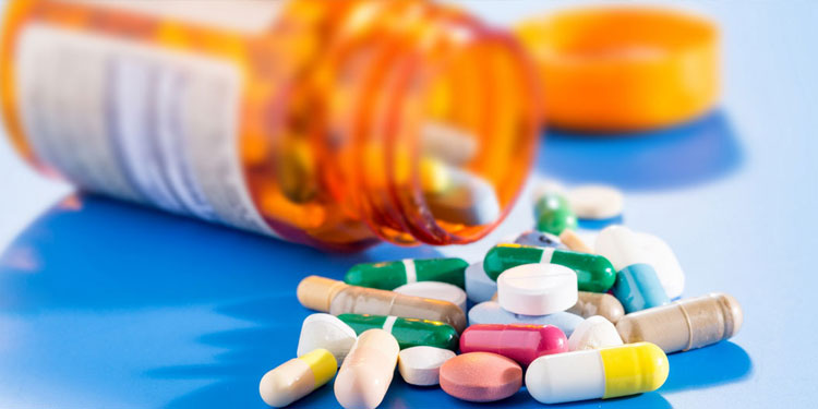 Sangli Crime   miraj police raid on medical store who was selling intoxication pills without prescription