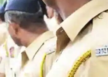 Maharashtra Police News | ahmednagar Superintendent of Police manoj patil is in action! 123 police officers on duty, action on staff, huge uproar in police force