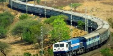 pune mumbai trains deccan express canceled on saturday due to this reason will affect local service