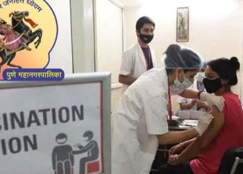 Pune Corporation | Big decision of PMC ! Corona vaccine will be given to students in college - Mayor Muralidhar Mohol.
