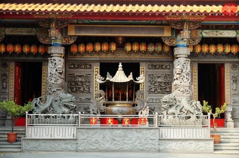 Temple_6984_02_comser3330.JPG