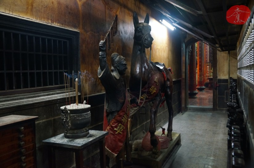 7650_8792_016_Temple.JPG