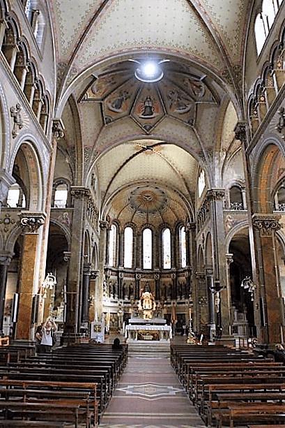 NAVE CENTRAL Basílica del Espíritu Santo