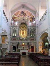 Vista del Altar desde la Nave Principal