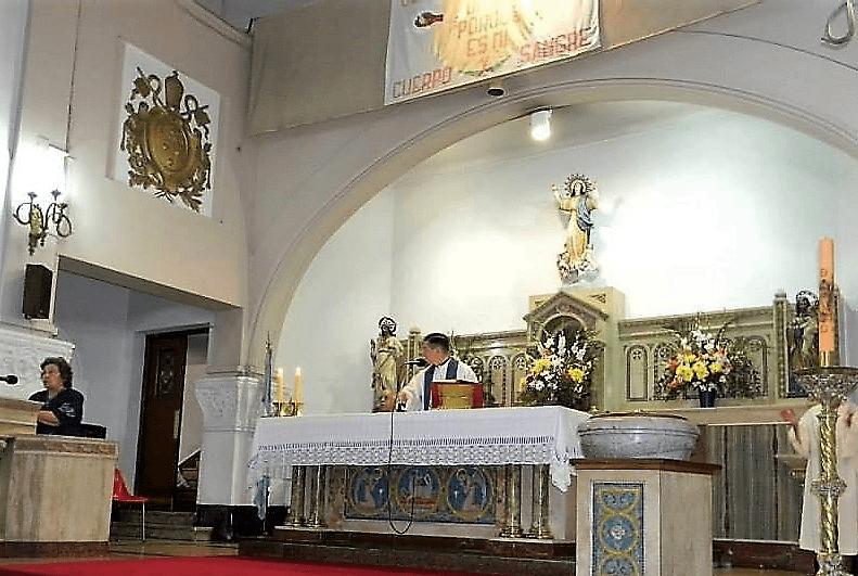 altar con escudo pio XI