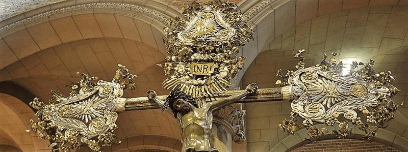 Cristo crucificado. visita a las siete iglesias