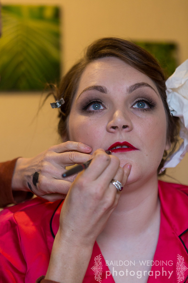 red lips for vintage look bride