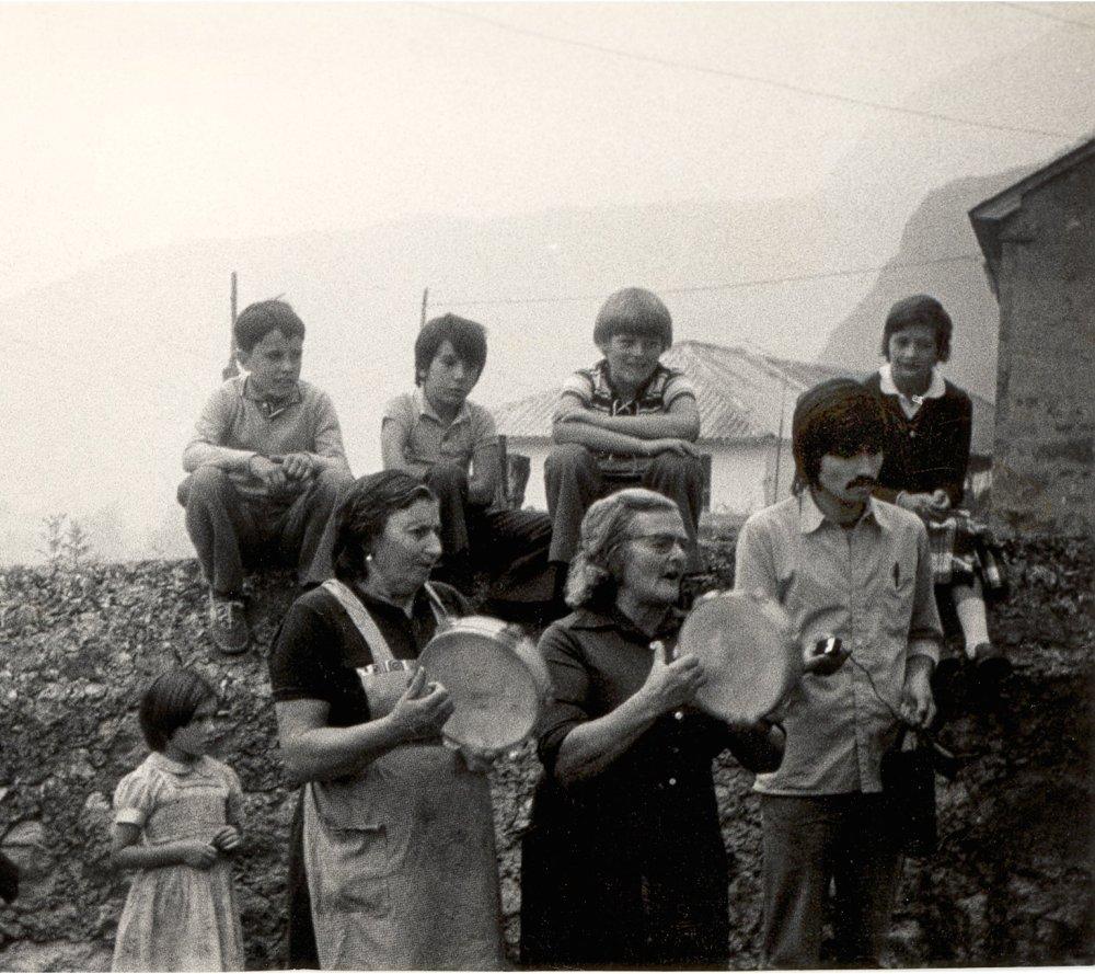 Grabando los bailes del Val.le (9-1978) - Somiedo