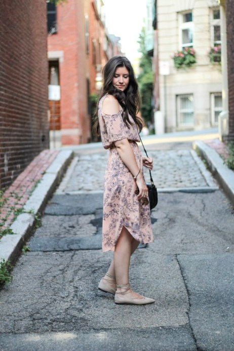 Meredith (@neotericessentials) in the Plus Reversed Dress